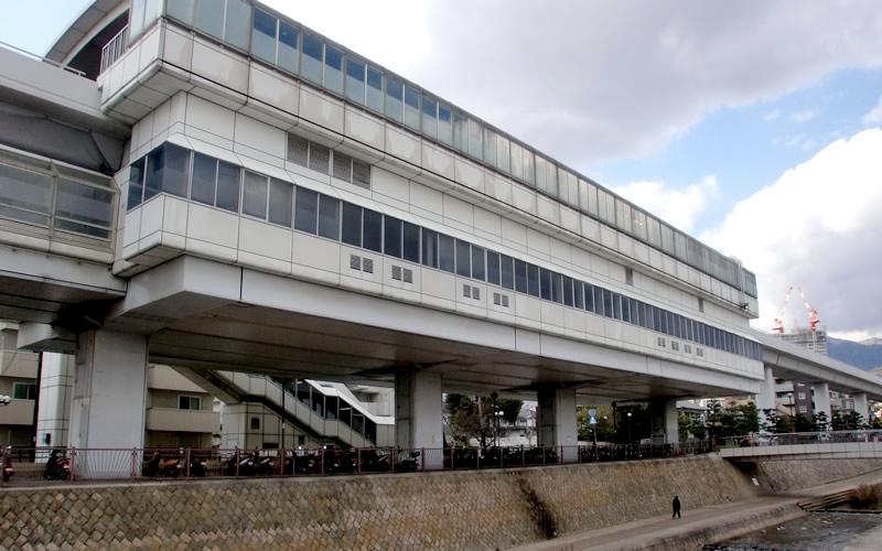 神户新交通六甲人工岛线鱼崎站