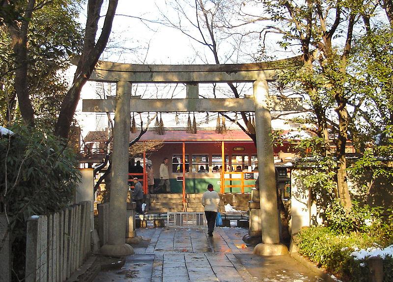 京福电铁车折神社站