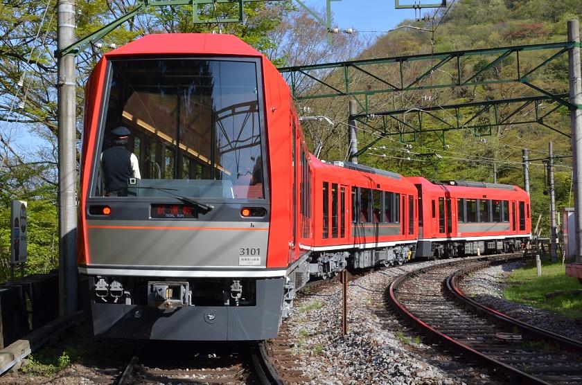 箱根登山铁道3100型列车