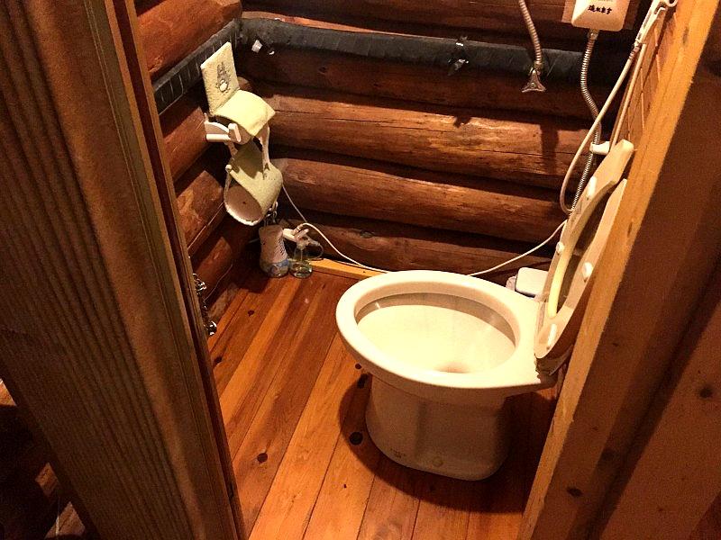 比罗夫车站旅馆的卫生间
