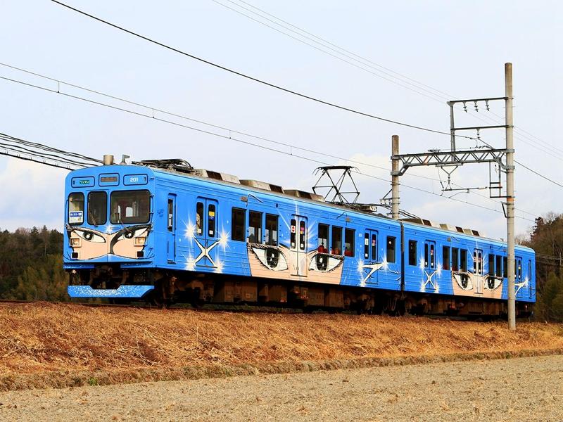 伊贺铁道蓝色忍者涂装列车
