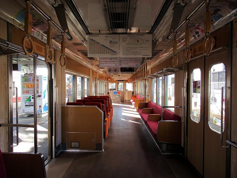 绿色忍者涂装列车内部
