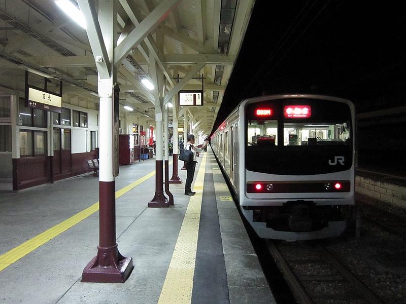 夜色下的1号站台