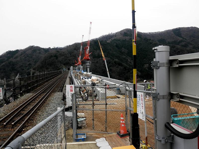 改建中的余部桥