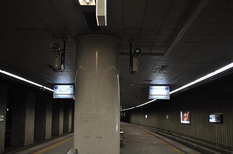 东成田站1,2号站台