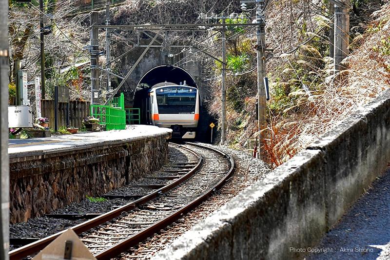 白丸站东北侧隧道