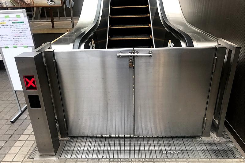 暂停运营时的扶手电梯