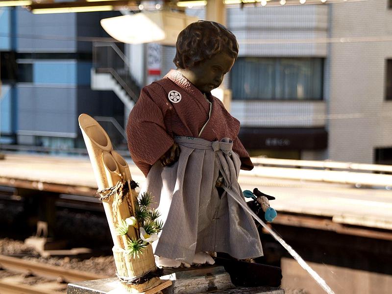 日本传统服装打扮的小童