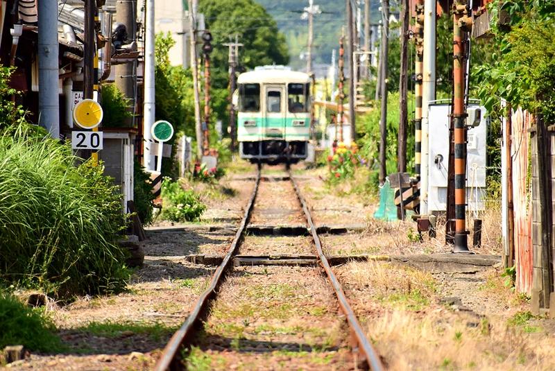 轨道与KR301号车
