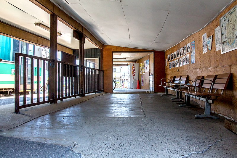 西御坊站内部