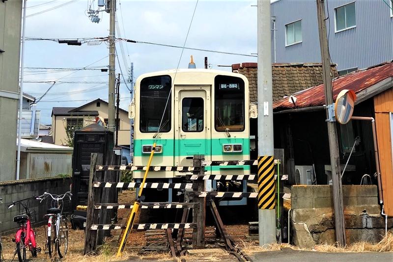 停靠在西御坊站的KR205号车