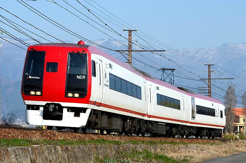 长野电铁2100系列车