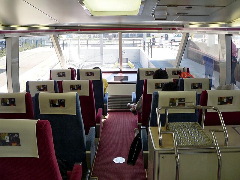 长野电铁1000系列车瞭望坐席