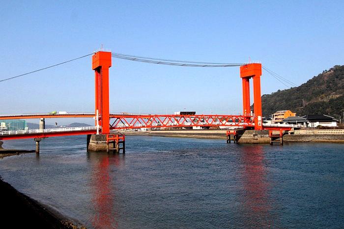 从西南侧看本渡濑户人行桥