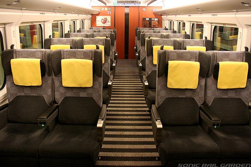 E3-2000系列车Green车厢