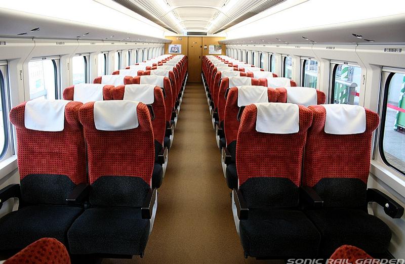 E3-2000系列车普通车厢