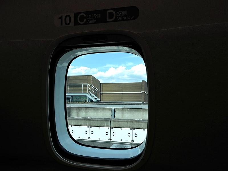 L0型列车车窗