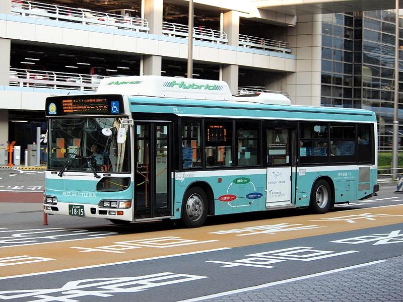 羽田机场往来三个航站楼之间的免费循环巴士