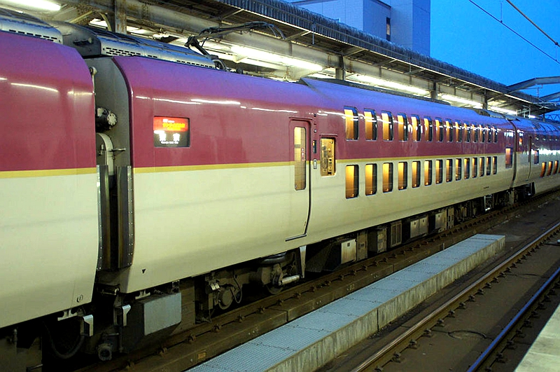 日出濑户列车车身