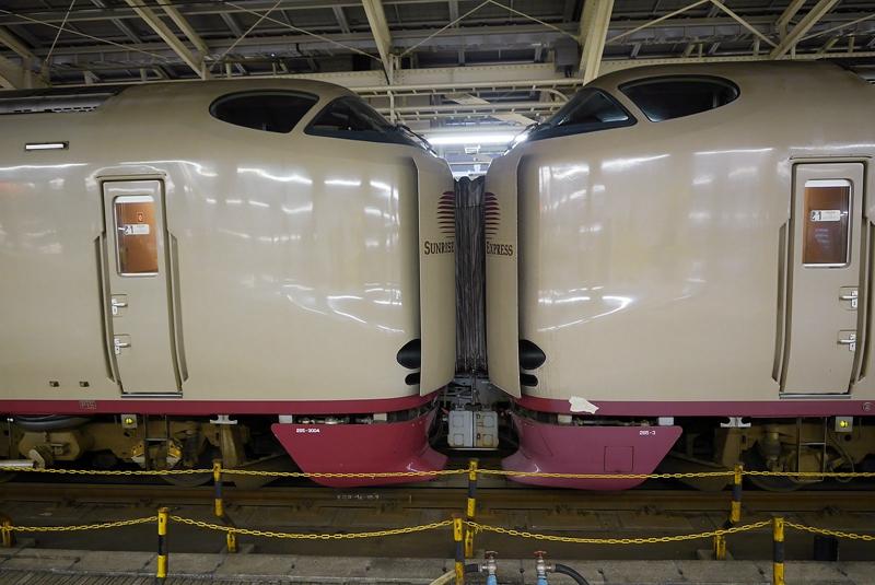 日出濑户列车车头联结后的状态