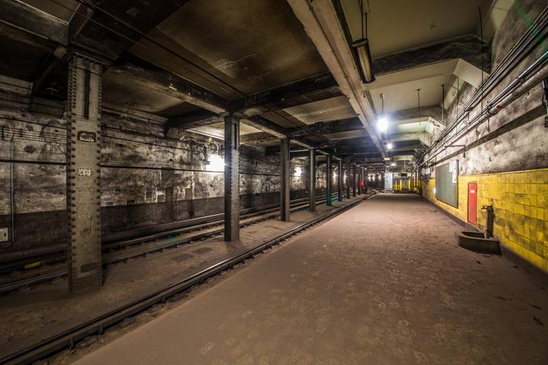 靠近动物园一侧往日暮里方向的下行站台