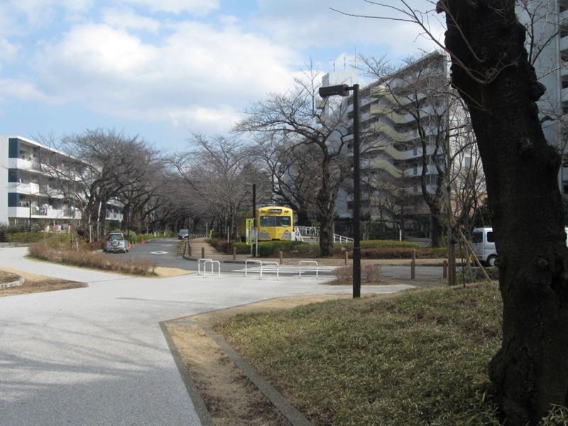 远看久米川电车图书馆