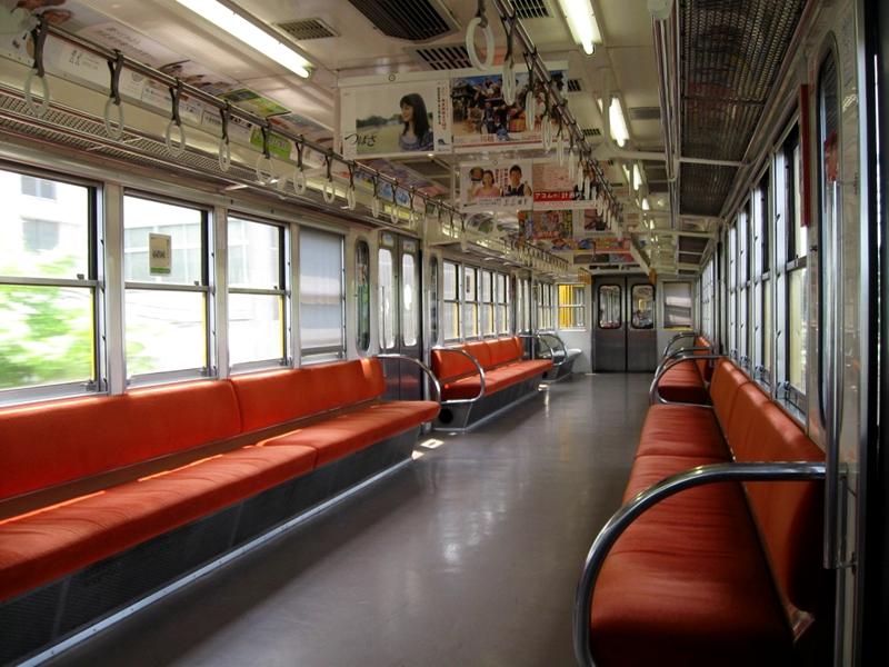 原西武铁道旧101系列车内部