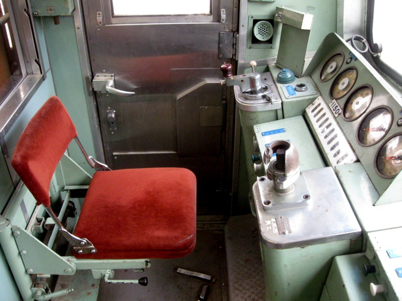 原电车驾驶席