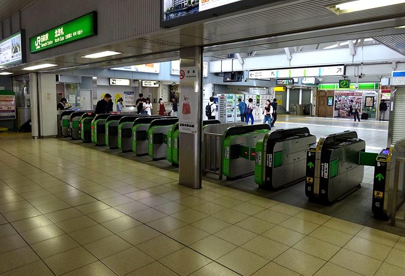 田町站北侧检票口