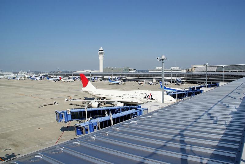 从观景平台看北侧的日本国内航站区