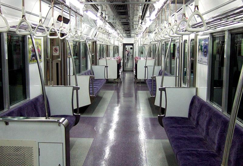 上饭田线7000系列车内部