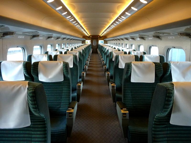 JR东海道700系列车Green车厢内部