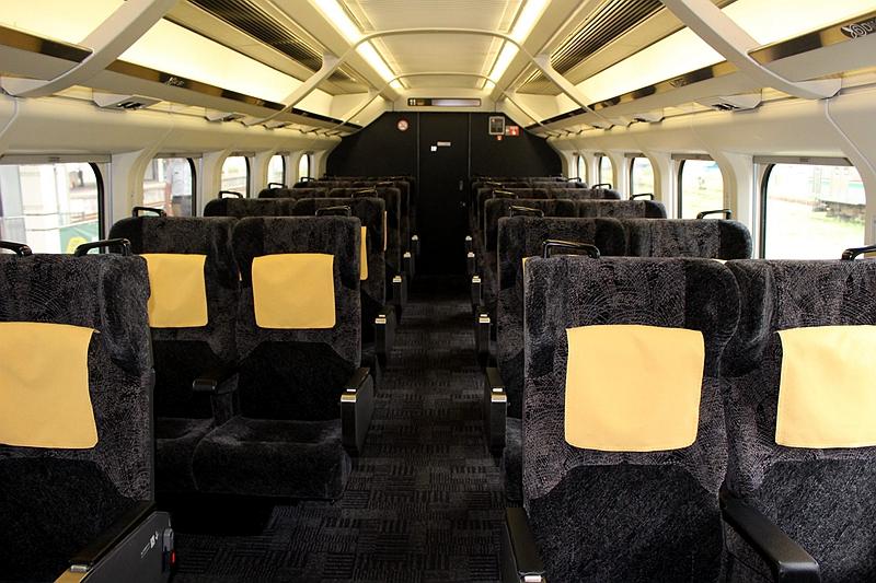 足汤列车11号车厢内部