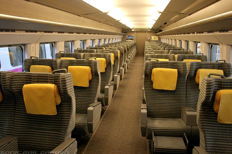JR东日本E2系列车Green车厢内部