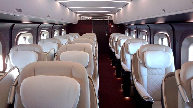 JR西日本W7系列车Grand车厢内部