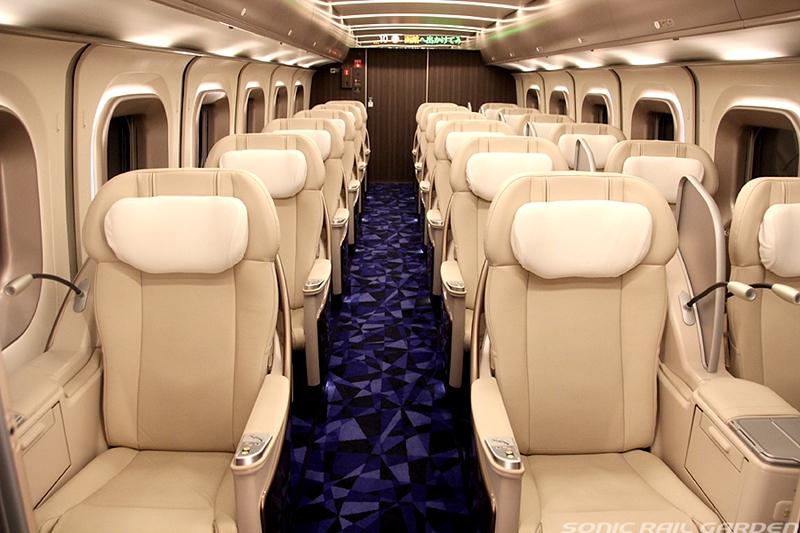 JR北海道H5系列车Grand车厢内部