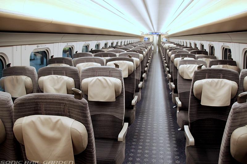 JR北海道H5系列车普通车厢内部