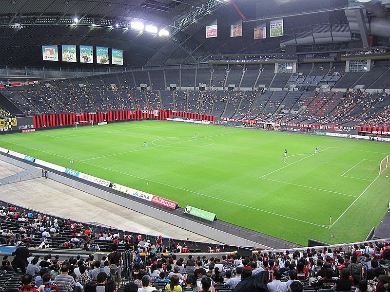 作为足球场使用时的札幌穹顶体育场内部