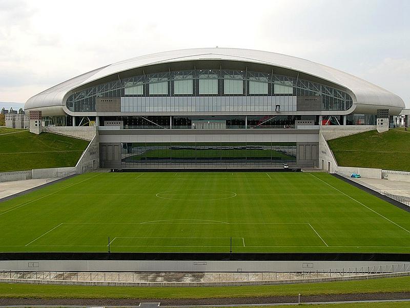 从东南侧看札幌穹顶体育场