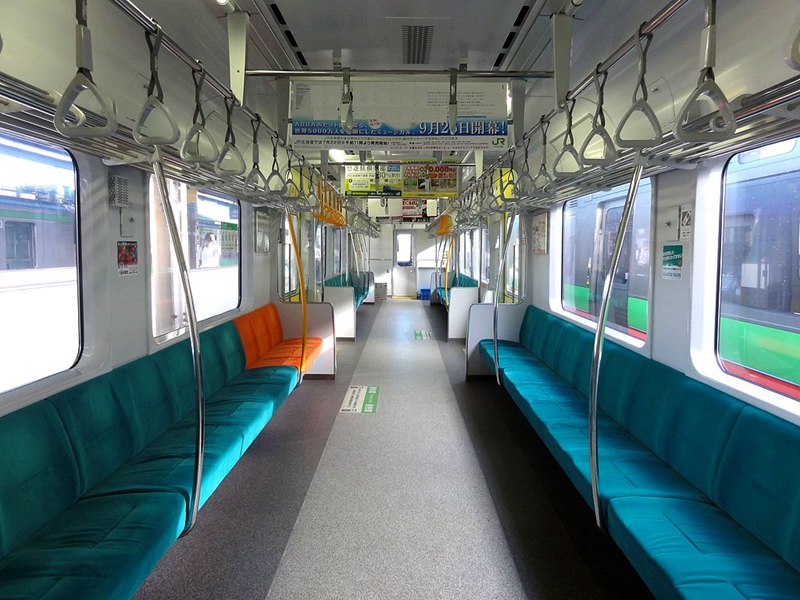 733系列车自由座席内部