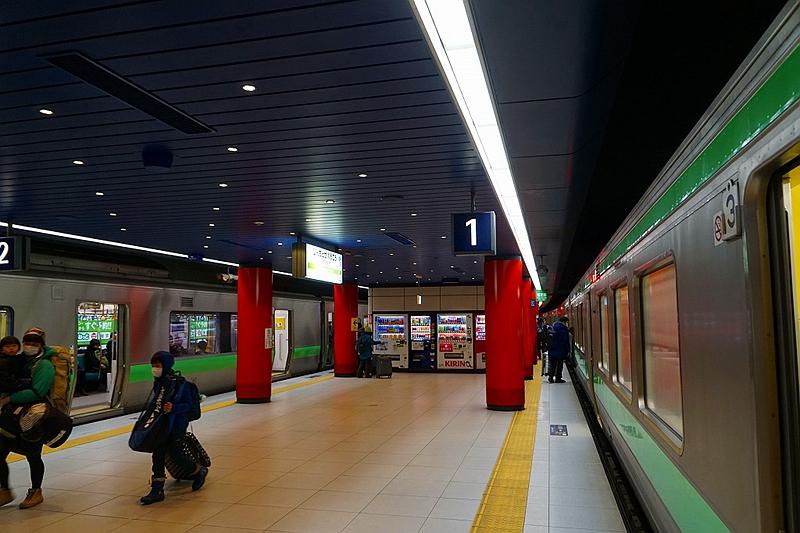 新千岁机场站站台