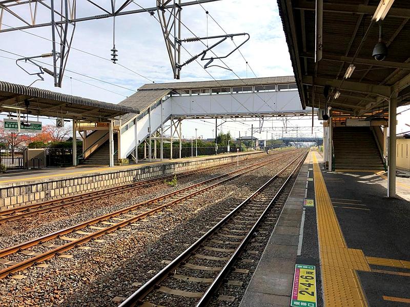 从1号站台看亘理站的跨线桥