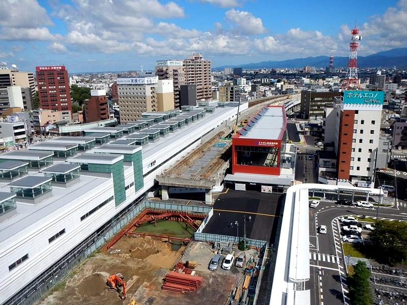 从东侧俯看越前铁道福井车站