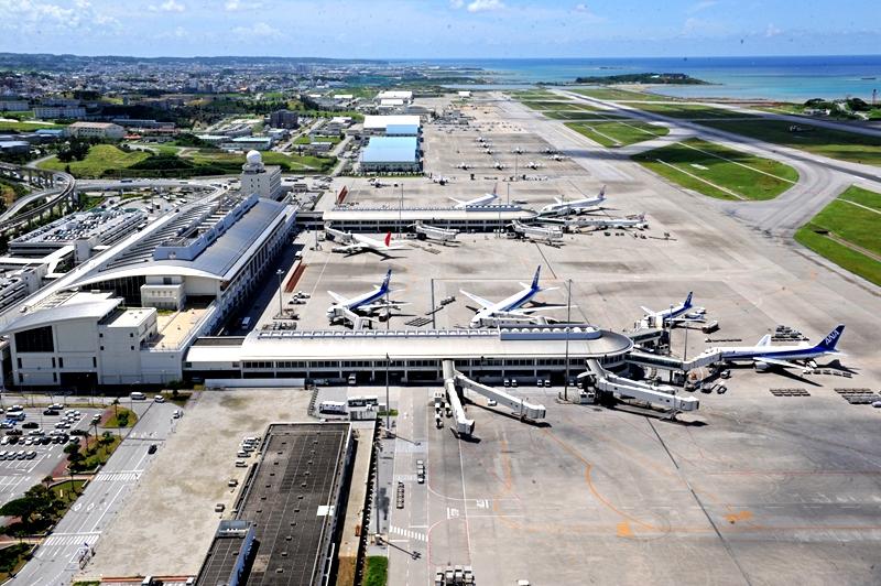 从西北侧看那霸机场日本国内航站楼