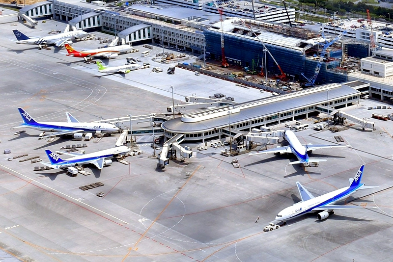 从西南侧看那霸国际机场