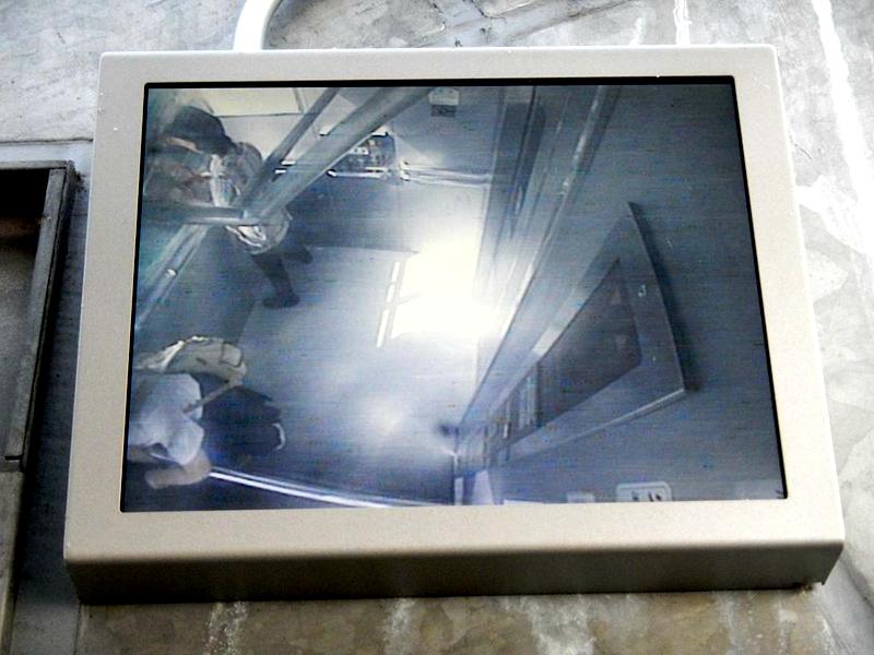 从监控视频可以看到当前运行中的轿厢的基本情况