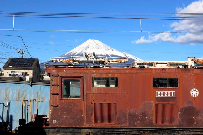 从岳南富士冈站所拍摄到的富士山