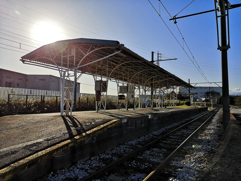 岳南电车比奈站站台全景