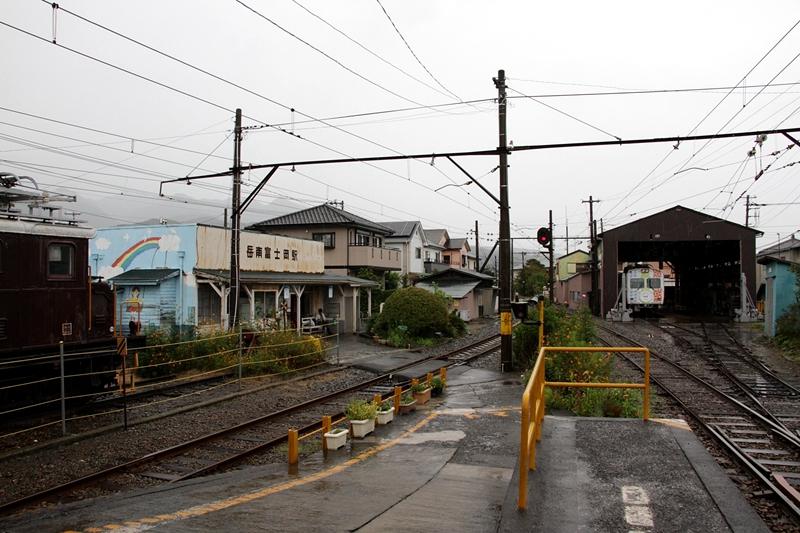 岳南富士冈站