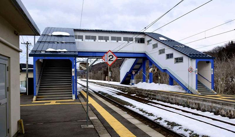 小鸟谷站的跨线桥